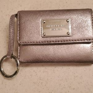 Michael Kors change wallet